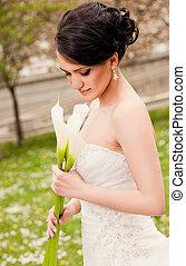 Bride white flowers