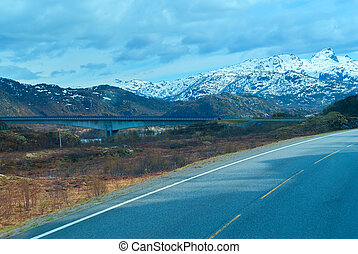 Bridge on the Norwegian road in the mountains