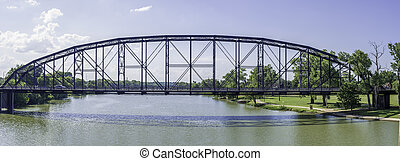 Bridge over Brazos river - Bridge going over the Brazos ...