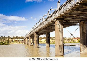 Murray Bridge - Bridge spanning the Murray River in ...