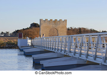 Bridge - bridge with bridge-walking bridge and small people...