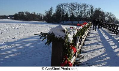 bridge winter people