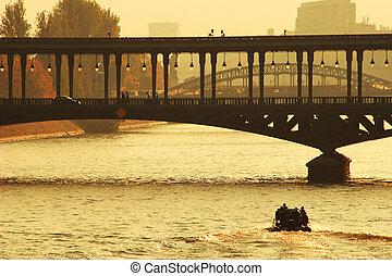 bridzs, felett, húzóháló, párizs, france., folyó, sunset.