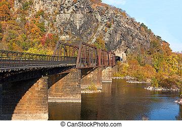 bridzs, találkozik, appalachian, potomac, shenandoah, nyom, river., folyó, hol