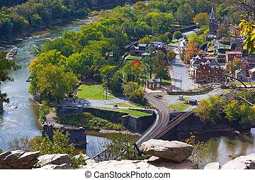 bridzs, town., nemzeti park, történelmi, komp, vasút, folyó, keresztül, harpers, kilátás