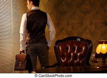 briefcase., retro, człowiek