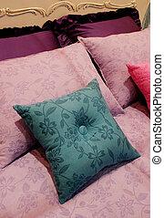 Bright bedroom - home interiors