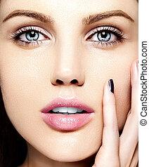 bright;, cosmetics;, creative;, closeup;, female;, clean;, fashionable;, ass;, complexion;, face;, elegance;, fresh;, facial;, attractive;, american;, eyelash;, girl;, beautiful;, care;, fruit;, beauty;, fashion;, evening;