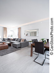 Bright family room - Spacious bright family room with modern...