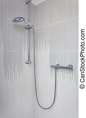 Bright space - shower
