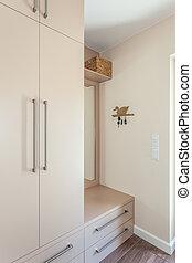 Bright space - wardrobe - Bright space - an ecru classic...