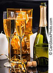 bril, van, feestelijk, champagne, met, uncorked, fles
