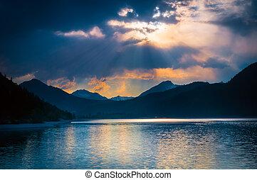 brilho, nuvens, disposição, místico, raios sol, lago,...