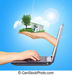 brillamment, droit, maison, écran, laptop., toit, main, arrière-plan vert, soleil, blanc, shines