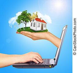 brillamment, droit, maison, écran, vente, main, couronne, laptop., arrière-plan rouge, toit, soleil, blanc, shines, cheminée