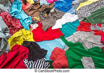 brillante, desordenado, colorido, ropa
