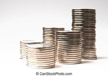 brillante, monete, metallico, mucchio, fondo, bianco
