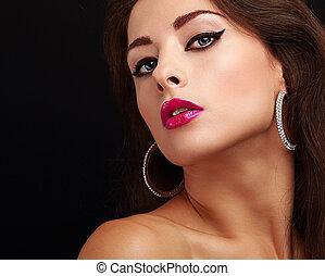 brillante, sexy, maquillaje, con, negro, flechas, y, rosa, lips., primer plano, retrato