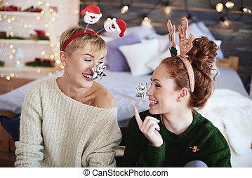 brincalhão, meninas, tendo divertimento, em, natal