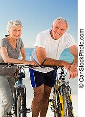 bringák, párosít, -eik, tengerpart, nyugdíjas
