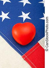 brinquedo, coração, sobre, bandeira e. u., -, cima, tiro estúdio
