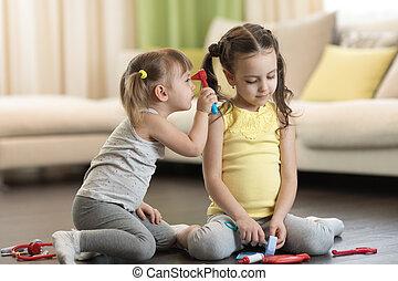brinquedo, doutor, hospitalar, crianças, tendo, brinquedos, médico, outro, estetoscópio, usando, divertimento, lar, tocando