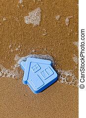 brinquedo plástico, casa, mentiras, areia