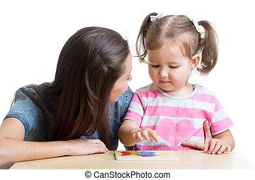 brinquedo, quebra-cabeça, criança, junto, mãe jogando