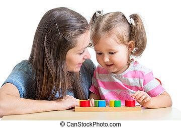 brinquedo, quebra-cabeça, junto, mãe, filho jogando