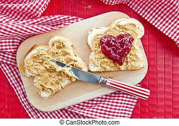Brioche with peanutbutter - Slices of brioche with ...
