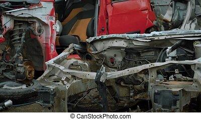brisé, refuser, lent, vieux, camions décharge, grand, appareil photo, en mouvement, dehors, parallèle, corps