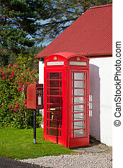 British red postbox and telephone box