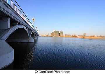 bro, och, frusen, flod, under, den, blåttsky