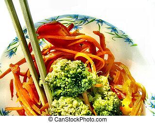 Broccoli salad with carrot