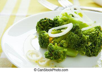 broccolo, cotto, in, il, forno, su, uno, bianco, piatto, pietanza
