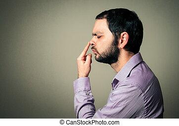 broda, dotykanie, jego, nos, człowiek