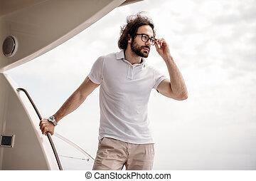 brodaty, karaibskie morze, marynarz, dorosły, żeglując, uśmiechanie się, kaukaski