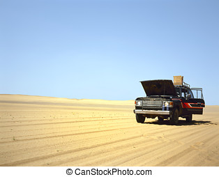 broken down 4WD in the desert - Broken down 4WD in the Arab...