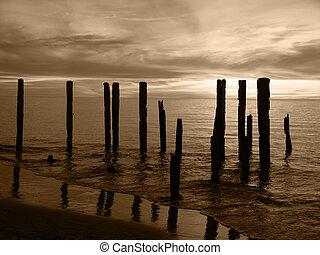 Broken Pier Sepia - Broken Pier silhouette