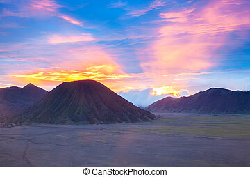 Bromo Mountain Indonesia - Batok Volcano at Bromo Mountain ...