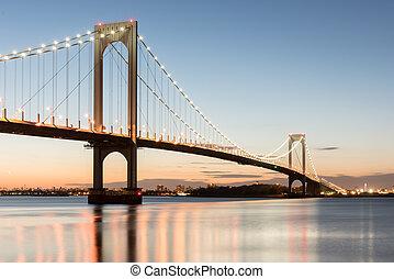 Bronx Whitestone Bridge - The Bronx-Whitestone Bridge...