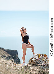 bronzé, portrait, amusement, plage, extérieur, avoir, temps, ensoleillé, mer, vacances, jeune, été, sensuelles, sexy, tropique, sport, temps, femme, poser