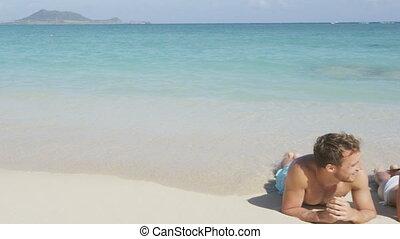 bronzage, couple, plage, lune miel, soleil, délassant, voyage, vacances