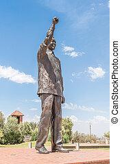 Bronze statue of Nelson Mandela on Naval hill