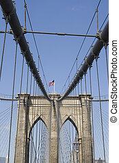 Brooklyn Bridge - Vertical image of Brooklyn bridge