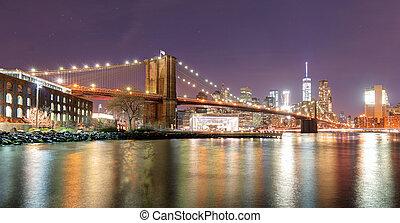 brooklyn bridzs, felett, kelet folyó, éjjel, alatt, új york város, manhattan, noha, állati tüdő, és, reflections.