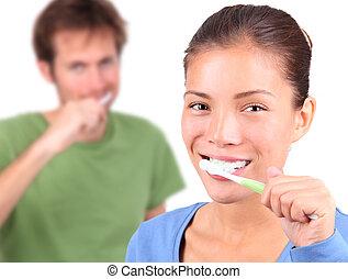 brossage, couple, jeune, ensemble, dents