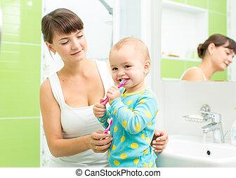 brossage, enfant, dents, girl, mère