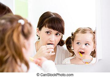 brossage, enseignement, dents, mère, gosse
