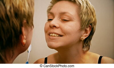 brossage, femme, elle, dents, joli, miroir, devant